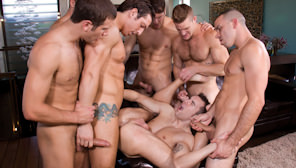 Hungover : Landon Conrad, Parker London, Connor Maguire, Jimmy Durano, Spencer Fox