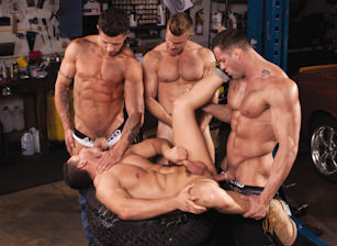 Body Shop, Scène 3