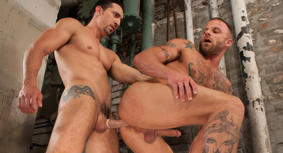 Gay Orgy GroupSex : Tools Of The Trade - Jimmy Durano -amp; Derek Parker!