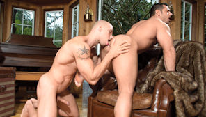 Buck Naked : Angelo, Marcus Ruhl