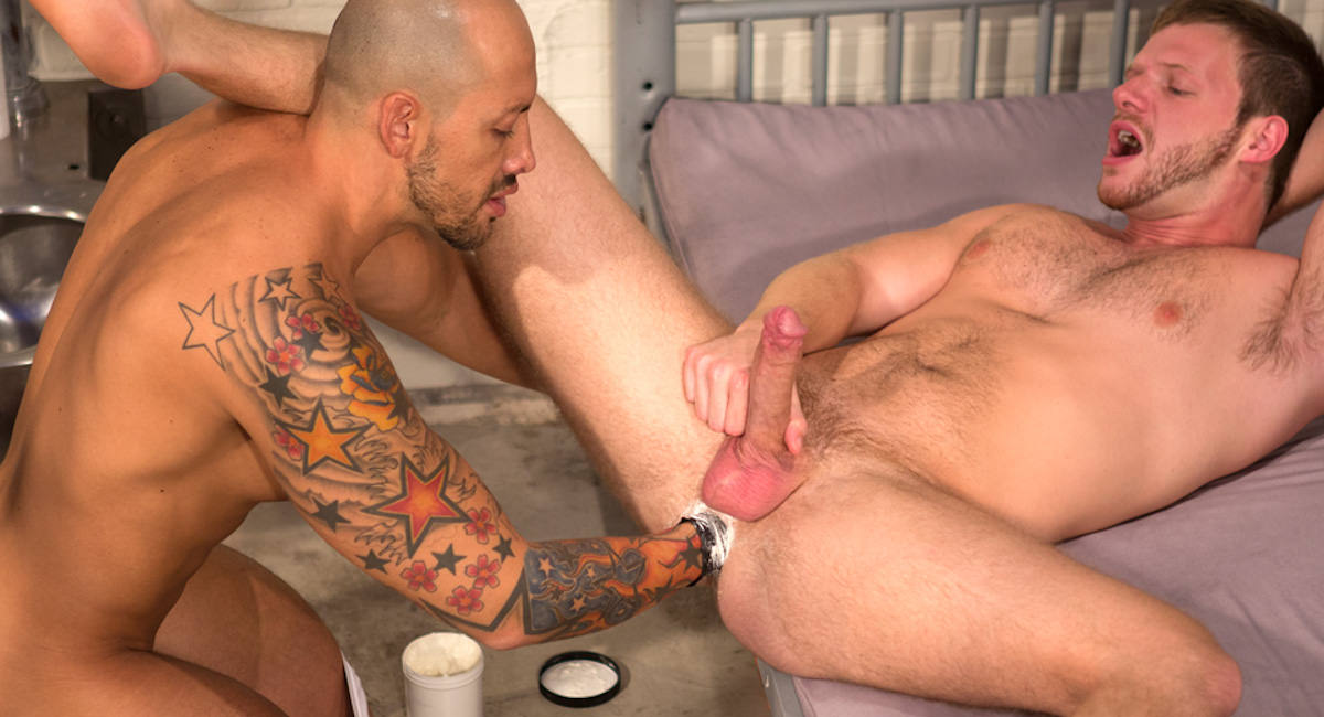 Gay Fisting Fuck : Long Arm Of The Law - Brian Bonds -amp; Jordano Santoro