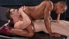 Double Kross : Andrew Stark, Adrian Hart