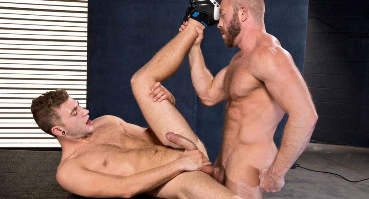 Raging Stallion: Hunter Marx & Alexander Greene - XXXPOSURE