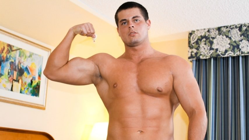 Peter – Ripped Muscles