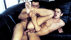 Hung Bunch : Jose Ganatti, Joe Calderon