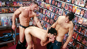 Man Action : Tuck Johnson, Bryce Pierce, Marcus Iron