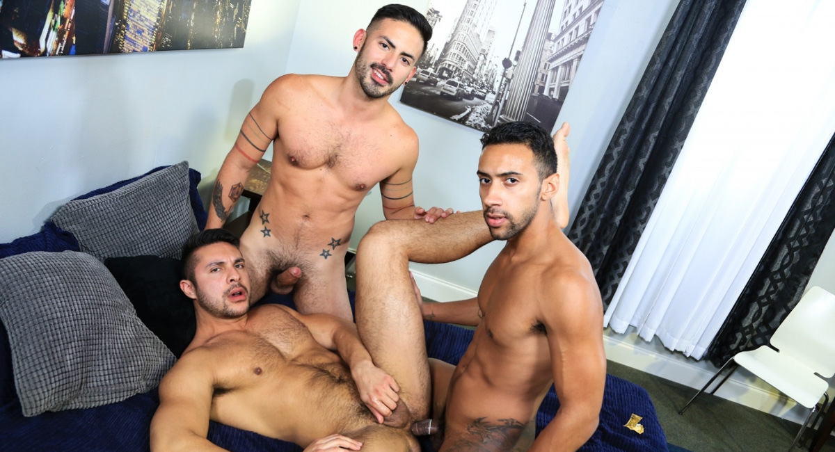 Extra Big Dicks: Seth Santoro, Jay Alexander & Cesar Rossi - Surprise Big Dick Threeway