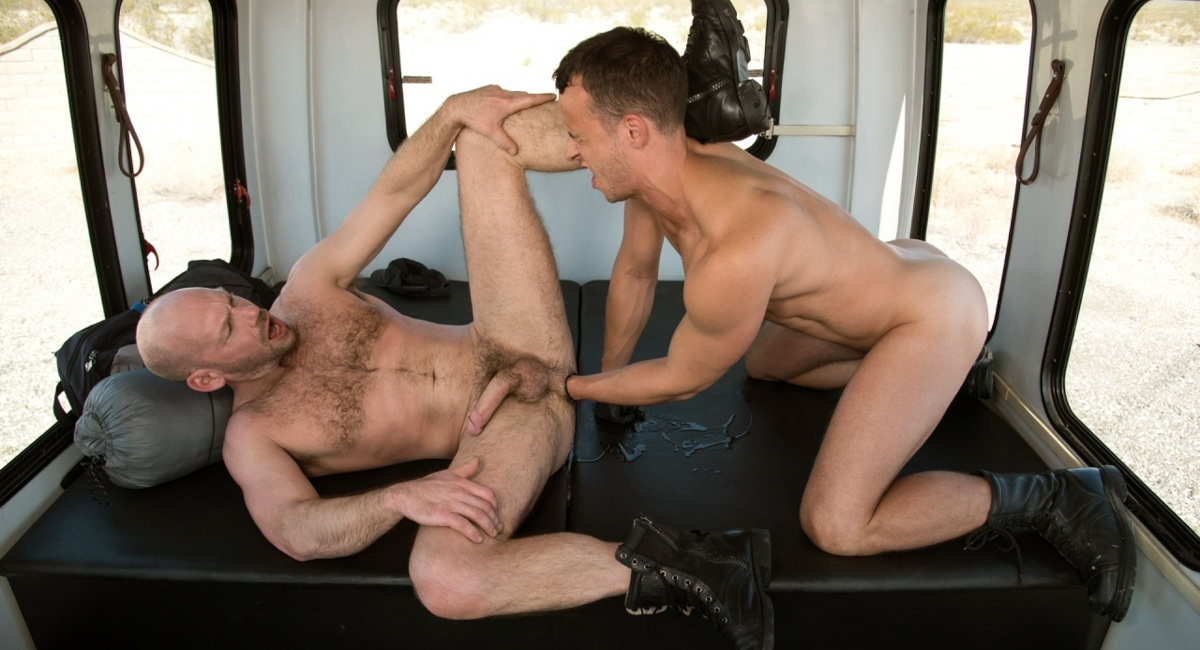 Fetish Force: Nate Grimes & Mike Tanner - Fist Bus