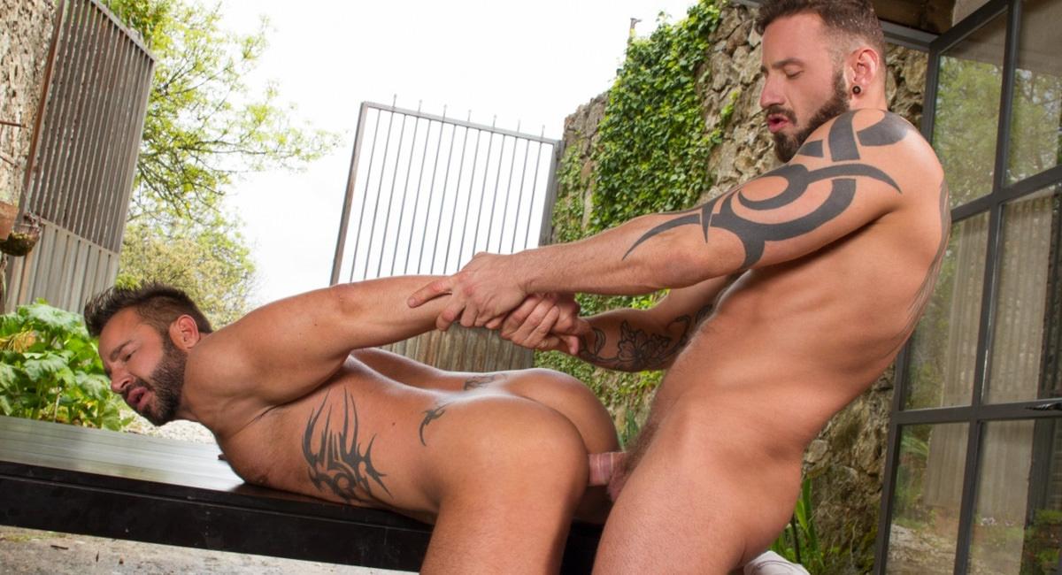 Hung Country – Martin Mazza & Antonio Miracle