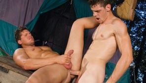 Roughin' It 2 : Parker London, Casey Monroe