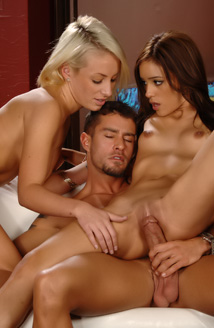 Cody Cummings, Lexy Swallow And Melanie Rios Picture